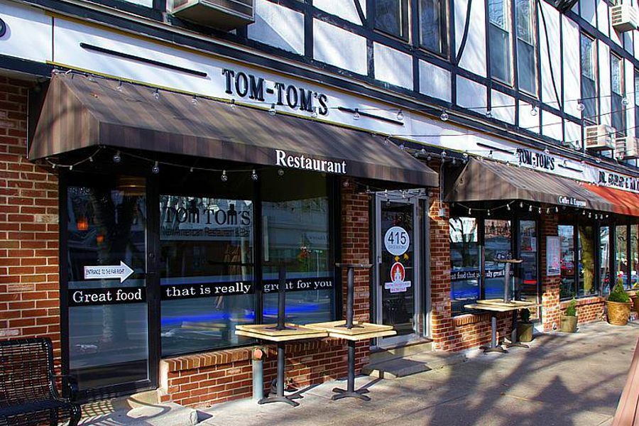Photo of Tom Tom's Store Front